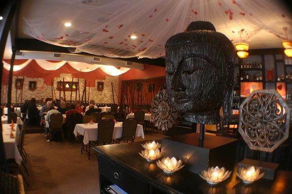 Buddha_thai_Bistro_interior.jpg