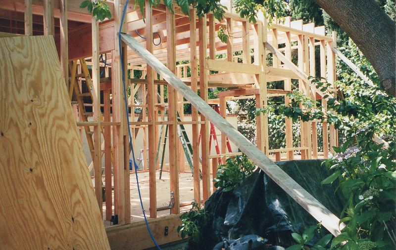 Claudio Cruz was the contractor and can be reached at 818-625-9448