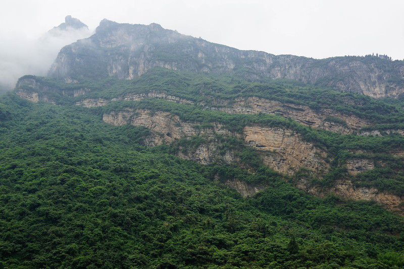 Stunning examples of stratified sedimentary deposits along Yangtze River