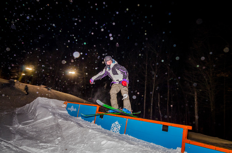 Nighttime-Rail-Jam_Snow-Trails-109.jpg