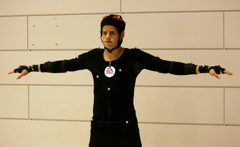 Bayer Leverkusen's soccer player Tranquillo Barnetta is pictured ed by motion capture filming for the new game FIFA 08 in Barcelona, May 24, 2007. REUTERS/Albert Gea (SPAIN)