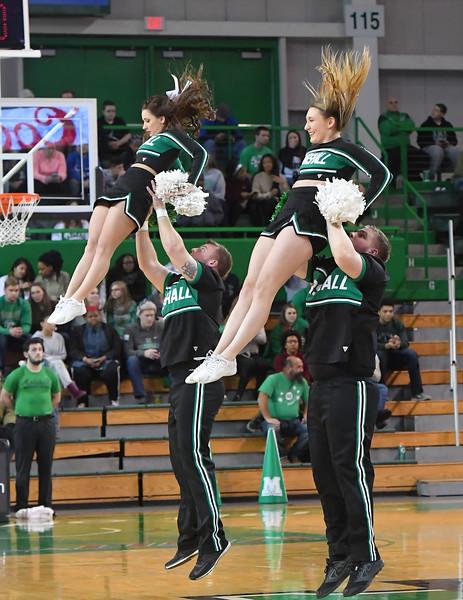 cheerleaders0325.jpg