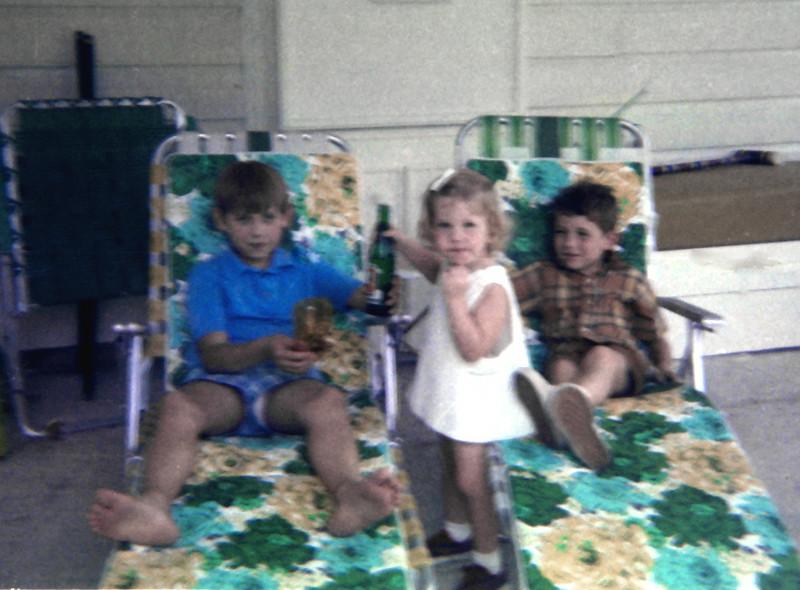 4-r-kids-on-porch.jpg