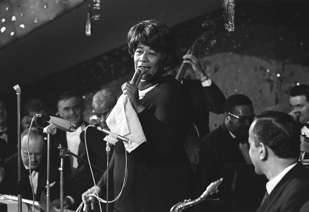""". Ella Fitzergerald appears on stage at \""""Bal Pare\"""" a top social event in Munich, Germany on Jan. 21, 1967, during the carnival season. (AP Photo/Klaus Frings)"""