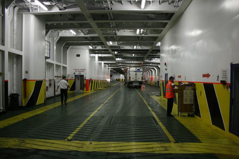 2009 - On board F/B CARTOUR GAMMA : truck deck.
