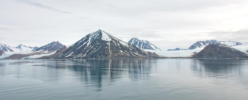liefdefd fjord, svalbard archipelargo 2.jpg