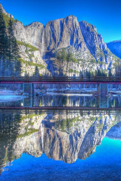 YOS-140225-0001 Yosemite Falls the Cool of Winter