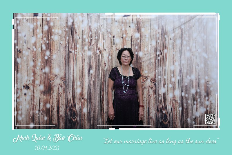 QC-wedding-instant-print-photobooth-Chup-hinh-lay-lien-in-anh-lay-ngay-Tiec-cuoi-WefieBox-Photobooth-Vietnam-cho-thue-photo-booth-074.jpg