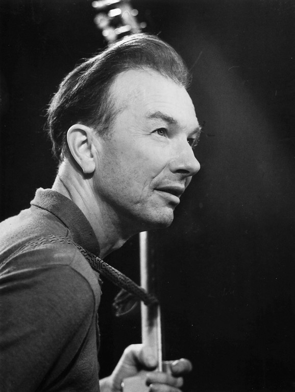 . Pete Seeger, American folk singer, is shown, Jan. 3, 1967.  (AP Photo/ADN-D.Steinberg)
