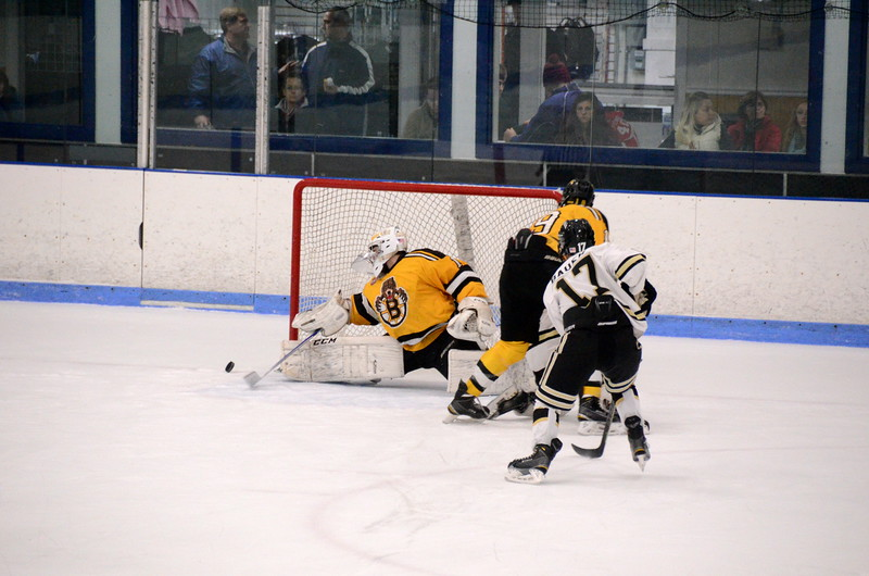 150103 Jr. Bruins vs. Providence Capitals-122.JPG
