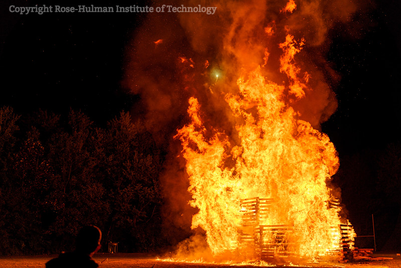 RHIT_Homecoming_2019_Bonfire-7405.jpg