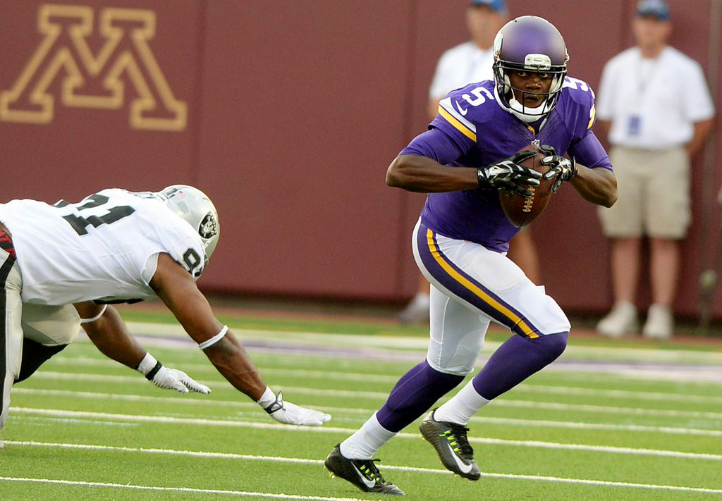 """. 5. TEDDY BRIDGEWATER <p>First game proves he�ll be starting. Starting on the bench, that is. (unranked) </p><p><b><a href=\""""http://www.twincities.com/vikings/ci_26305049/vikings-rookie-teddy-bridgewater-has-an-uneven-nfl\"""" target=\""""_blank\""""> LINK </a></b> </p><p>   (Pioneer Press: John Autey)</p>"""