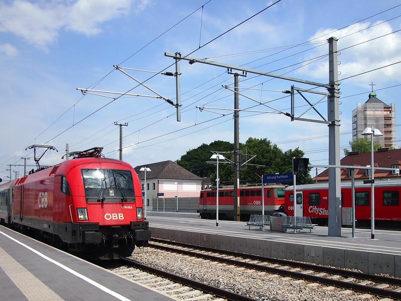 P7124427-trains-at-attnang-puchheim.JPG