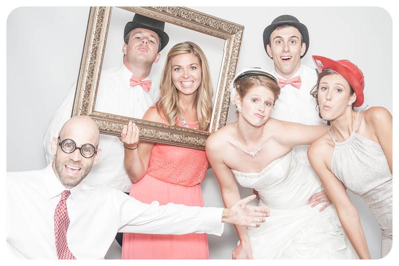 Laura+Ross-Wedding-Photobooth-142.jpg