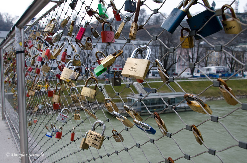 Salzach River: Couples attach their engraved lock, then toss the key into the river.