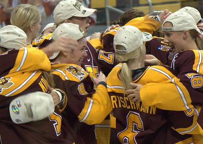 2012 03 18: Frozen Four, Ws D1 Final, Gophers 4, Badgers 2 @ Duluth