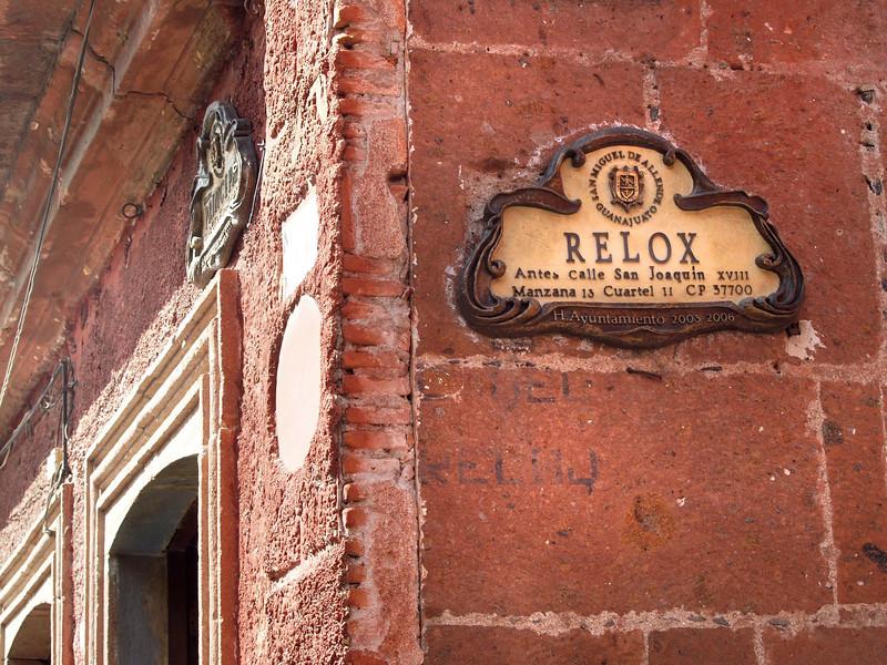 relox_clock street lr.jpg