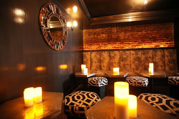 Hank's Bar & Lounge