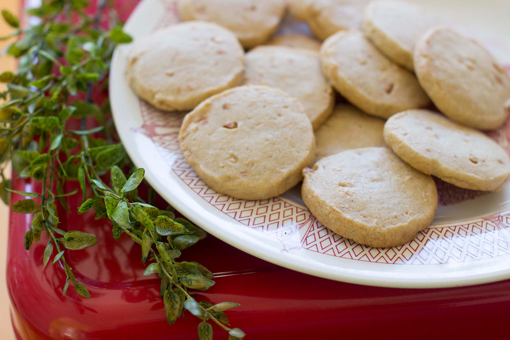". These easy refrigerator cookies can be prepped ahead, then refrigerated for several days or frozen for months until the moment is right. <a href=""http://www.dailylocal.com/article/DL/20141203/NEWS/141209920\"">Get the recipe for vanilla refrigerator cookies</a>. (AP Photo/Matthew Mead)"