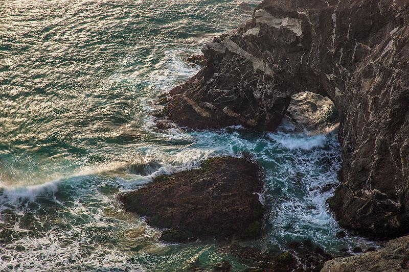 Big_sur_sea_arch_below_cliffs 2.jpg