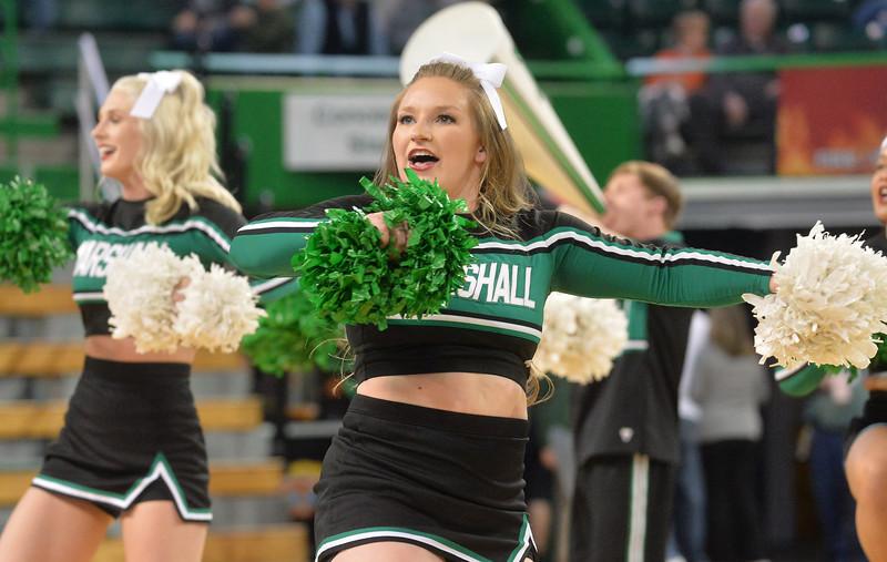 cheerleaders2476.jpg