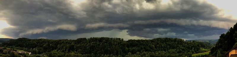 Gewitterfront aus Westen