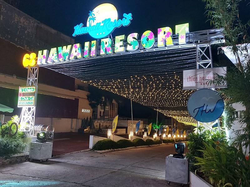 20210401_201016-hawaii-resort.jpg