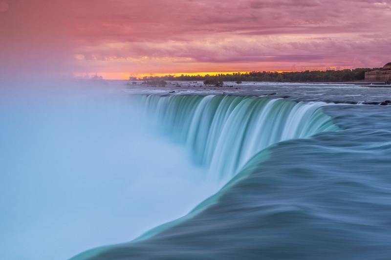Niagara-falls-10.jpg