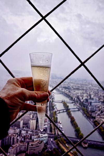 Paris Top of the Eiffel champagne 01248.jpg