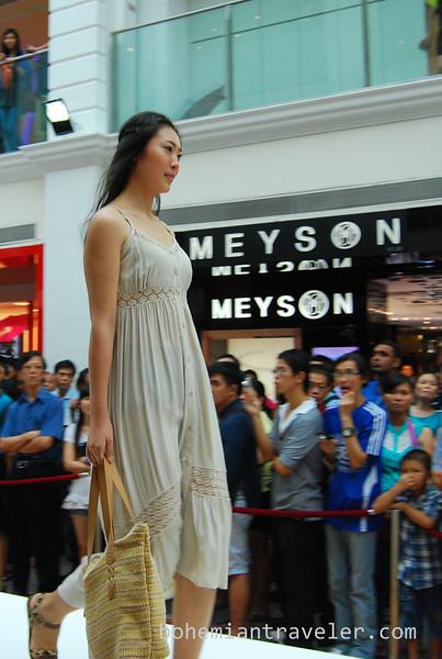 Singapore fashion show (4).jpg