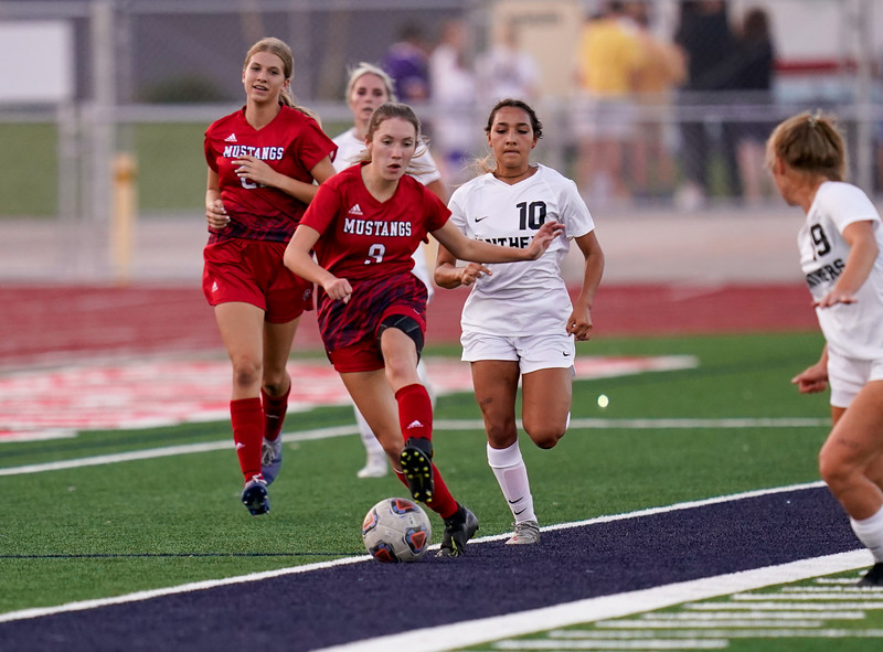 CCHS-vsoccer-pineview2046.jpg