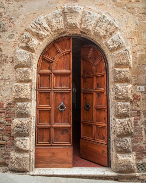 Stone Arch Door , Pienza , Tuscany