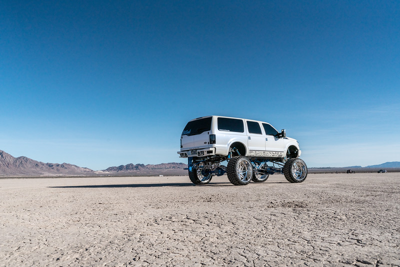 @lady_luck_excursion v.2 2016 @Ford Excursion Conversion 30x16 #GENESIS CONCAVE 42x16.5r30 @FuryOffroadTires-31.jpg