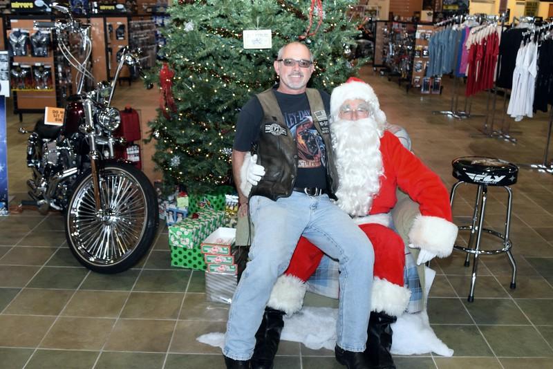 2014 Santa Visits J&P Cycles Florida Superstore (48).JPG