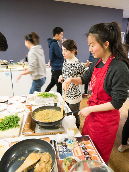 Cooking class with YIS Seniors-1000648.jpg