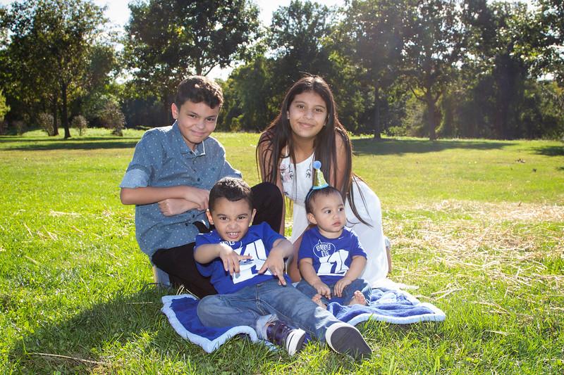 2020 10 Jose and Susanah Family _MG_070360.jpg