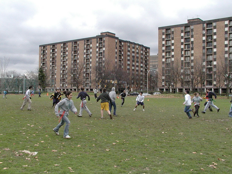 2004-11-28-GOYA-Turkey-Bowl_001.jpg