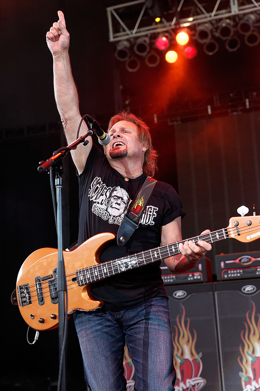 . Michael Anthony with Sammy Hagar\'s band at Freedom Hill on 7-23-14. Photo by Ken Settle