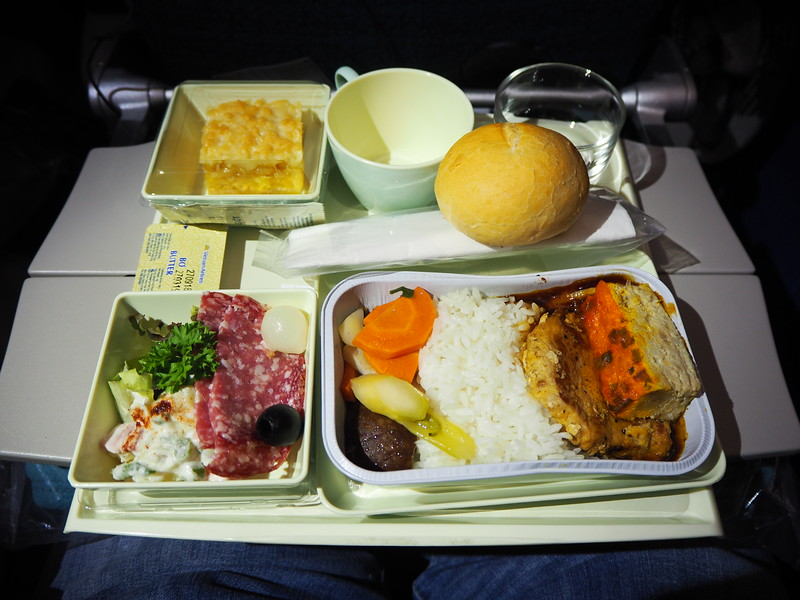 PA200022-sgn-syd-dinner.JPG