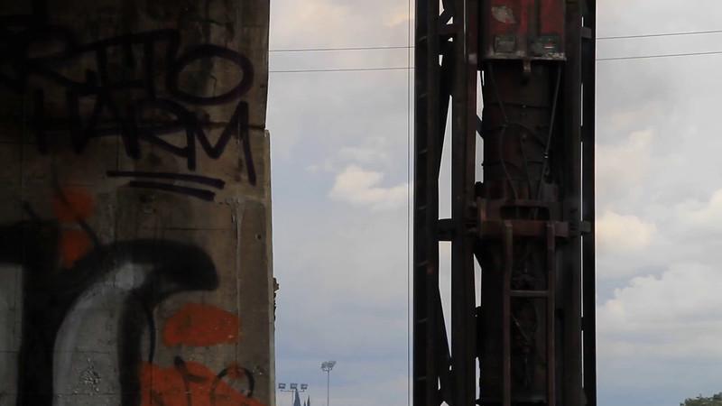 2014-12-17_BridgeConstruction_006.MOV