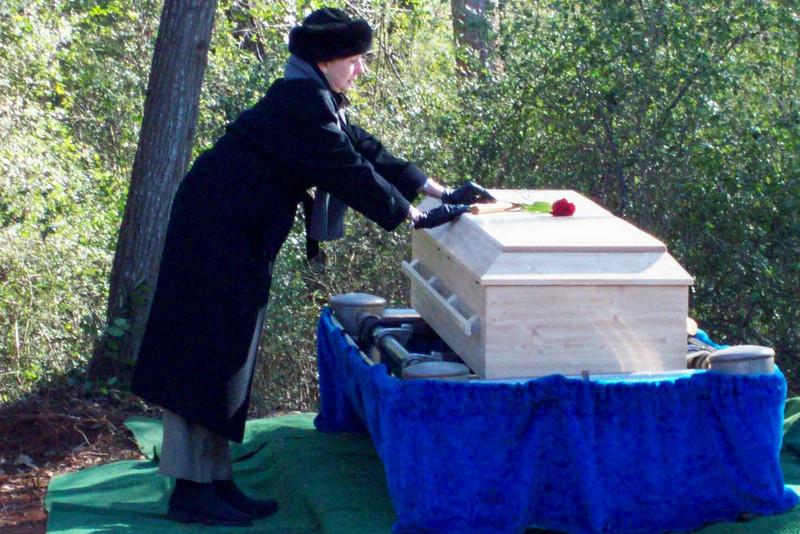 Linda-Hammer- Coffin.JPG