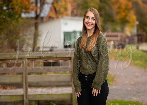 Nikki Price Senior Portraits 2020
