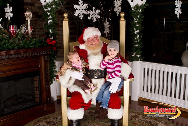 Santa Dec 15-203.jpg