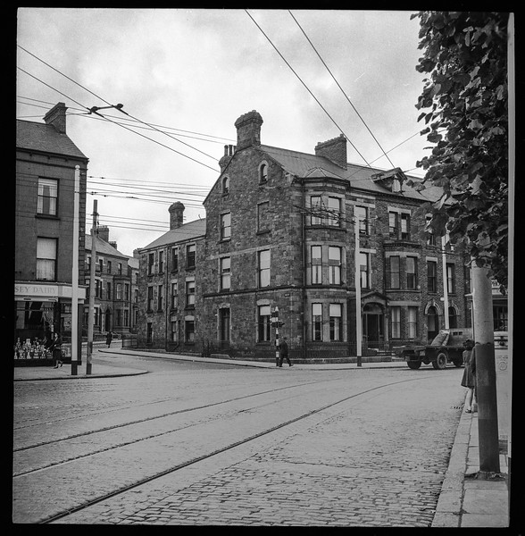 Uncle Sam's dental office in Belfast, 1949, Eia Street & Antrim Road