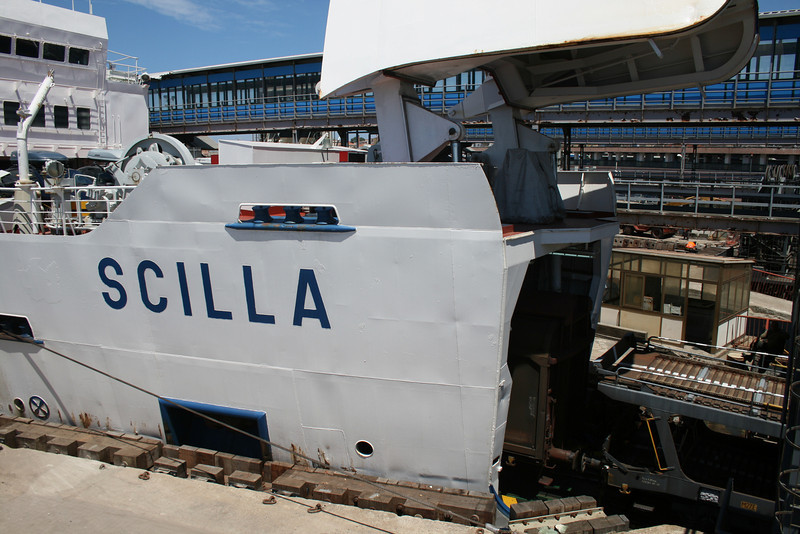 2010 - Trainferry SCILLA in Messina : the open bow is railroad gangway.