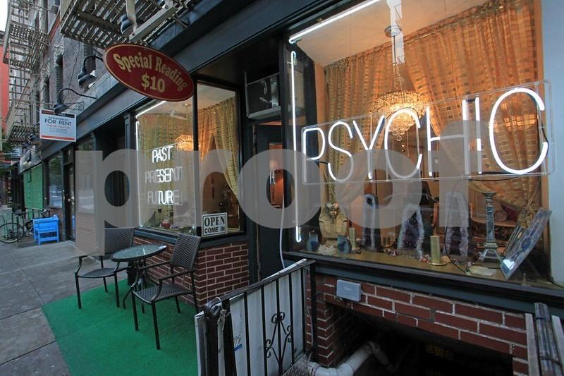 Psychic 6923.jpg