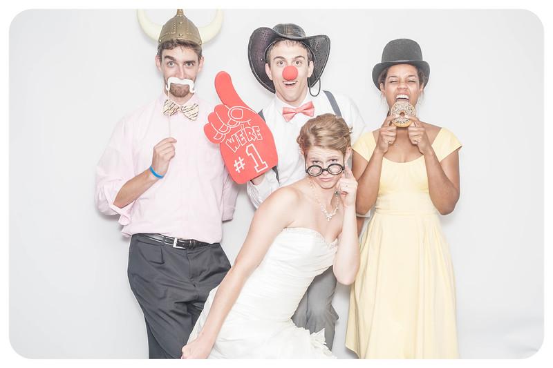 Laura+Ross-Wedding-Photobooth-197.jpg