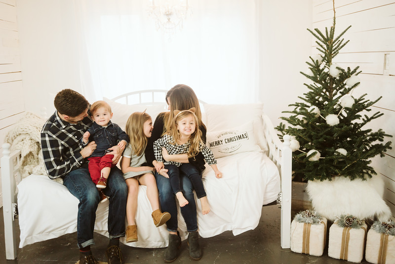 Steuckle Christmas Mini Session 2018-13.jpg