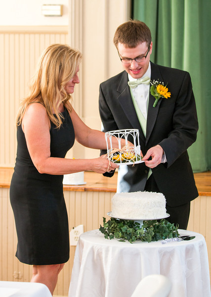 Connie and Jake prepping cake.jpg