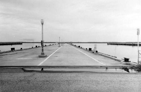 Pier1-1965.jpg